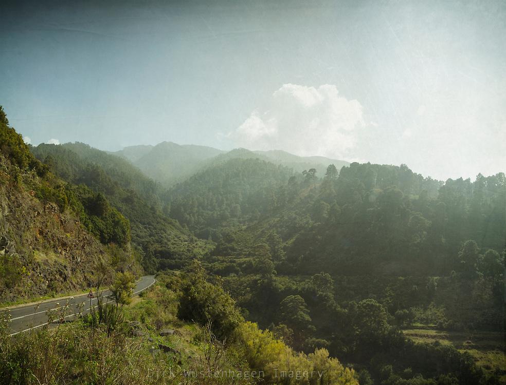 Nördliches La Palma mit Blick auf Roque de los Muchachos, Lomo de la Crucita, La Palma, Kanarische Inseln, Spanien