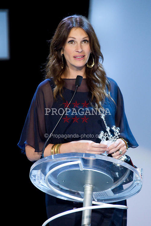 20.09.2010, Kursaal Palace, San Sebsatian, ESP, Donostia Award im Bild Julia Roberts attend 'Donostia' award ceremony at the Kursaal Palace during the 58th San Sebastian international Film Festival, EXPA Pictures © 2010, PhotoCredit: EXPA/ InsideFoto/ Cesar Cebolla / ALFAQUI *** ATTENTION *** FOR AUSTRIA AND SLOVENIA USE ONLY!