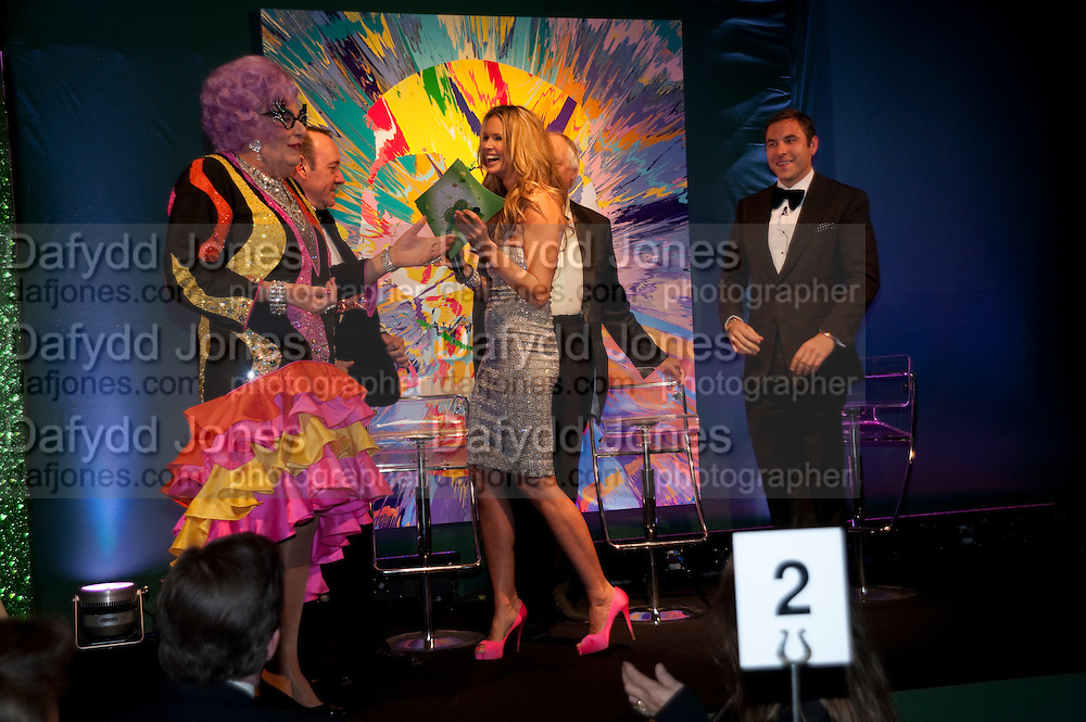 BARRY HUMPHRIES; ELLE MACPHERSON; KEVIN SPACEY; SIR TIME RICE; DAVID WALLIAMS. The Ormeley dinner in aid of the Ecology Trust and the Aspinall Foundation. Ormeley Lodge. Richmond. London. 29 April 2009