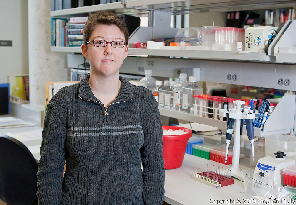 Jessica Hook, of Coralville, Iowa, in a lab at the Carver Biomedical Research Building on the campus of The University of Iowa in Iowa City, Iowa on September 30, 2009.
