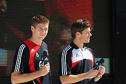 Hong Kong, China - Thursday, July 26, 2007: Liverpool's Steven Gerrard MBE and Xabi Alonso attend the Adidas Asia Challenge 2007, a 5-a-side event at the Tsimshatsui Drive-in Theatre in Hong Kong. (Photo by David Rawcliffe/Propaganda)