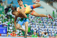 Ashgabat 2017 - 5th Asian Indoor & MartialArts Games 25-09-2017. Mens Wrestling, Lowe Bingham (NRU) v R. Ramazonov (TJK)