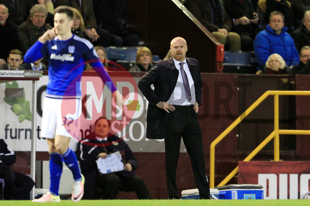 Burnley Manager Sean Dyche looks concerned - Mandatory by-line: Matt McNulty/JMP - 05/04/2016 - FOOTBALL - Turf Moor - Burnley, England - Burnley v Cardiff City - SkyBet Championship