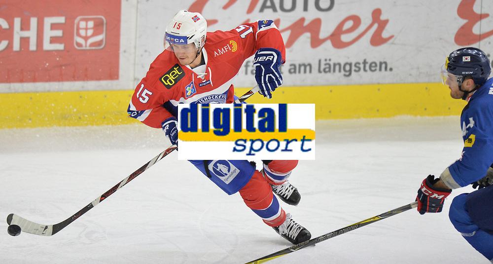 Ishockey<br /> Norge landslag<br /> Turnering november 2017<br /> Foto: Gepa/Digitalsport<br /> NORWAY ONLY<br /> <br /> INNSBRUCK,AUSTRIA,11.NOV.17 - ICE HOCKEY - Oesterreich Cup, international match, Korea vs Norway. Image shows Tommy Kristiansen (NOR) and Matthew Alexander Plante (KOR). Photo: GEPA pictures/ Amir Beganovic