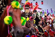 Bonfim, 07 de Marco de 2011..Cobertura do tradicional Carnaval a cavalo na cidade de Bonfim. Evento acontece ha mais de 130 anos e reune cavaleiros mascarados no centro da cidade...FOTO: BRUNO MAGALHAES / NITRO.