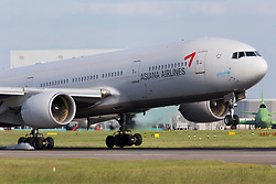 © under license to London News Pictures.FILE PHOTO - An Asiana Airlines Boeing 777 aircraft crashed landed at San Francisco airport today, this is a recently image of a similar aircraft landing at London Heathrow<br /> <br /> Photo credit should read IAN SCHOFIELD/LNP