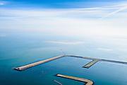 Nederland, Zeeland, Gemeente Schouwen-Duiveland, 01-04-2016; Oosterscheldekering, werkeiland Neeltje Jans, De voormalige werkhaven Schaar in gebruik voor de hangcultuur voor het telen van mosselen.<br /> Oosterscheldekering, Eastern Scheldt storm surge barrier. Former temporary port Neeltje Jans, now used for 'suspension culture' for growing mussels.<br /> <br /> luchtfoto (toeslag op standard tarieven);<br /> aerial photo (additional fee required);<br /> copyright foto/photo Siebe Swart