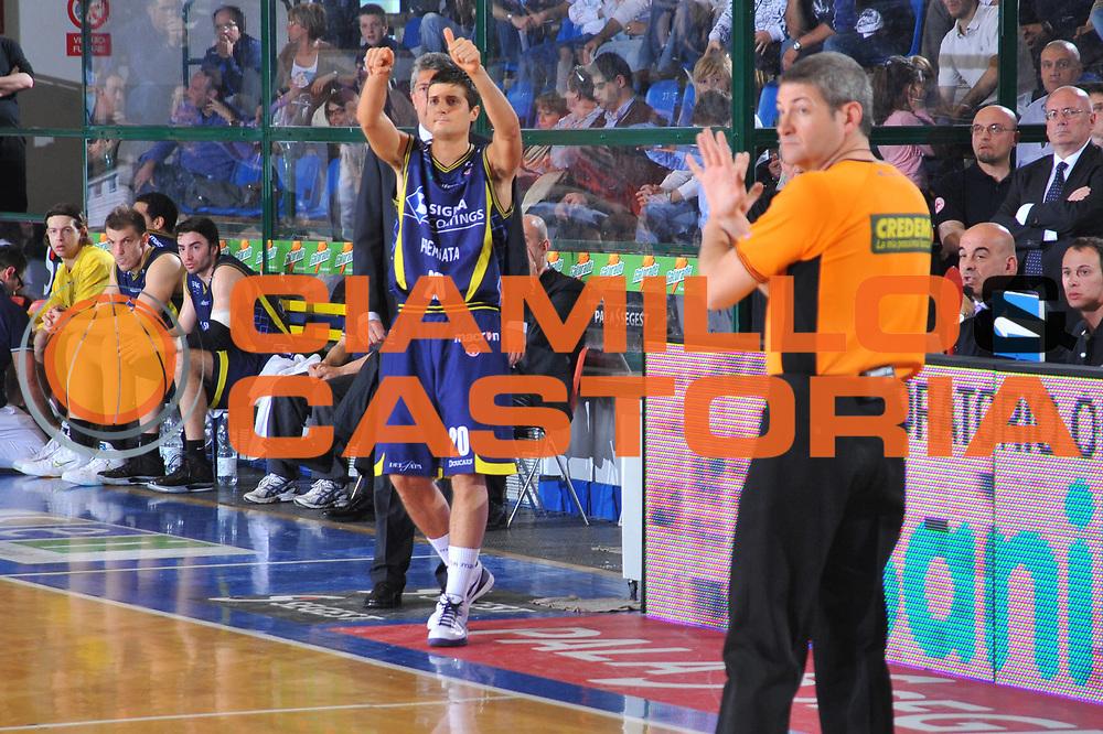 DESCRIZIONE : Ferrara Lega A 2009-10 Basket Carife Ferrara Sigma Coatings Montegranaro<br /> GIOCATORE : Andrea Cinciarini<br /> SQUADRA : Sigma Coatings Montegranaro<br /> EVENTO : Campionato Lega A 2009-2010<br /> GARA : Carife Ferrara Sigma Coatings Montegranaro<br /> DATA : 25/04/2010<br /> CATEGORIA : Ritratto<br /> SPORT : Pallacanestro<br /> AUTORE : Agenzia Ciamillo-Castoria/M.Gregolin<br /> Galleria : Lega Basket A 2009-2010 <br /> Fotonotizia : Ferrara Campionato Italiano Lega A 2009-2010 Carife Ferrara Sigma Coatings Montegranaro<br /> Predefinita :