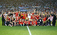 FUSSBALL EUROPAMEISTERSCHAFT 2008  Finale Deutschland - Spanien    29.06.2008 Die spanische Mannschaft feiert den EM-Titel