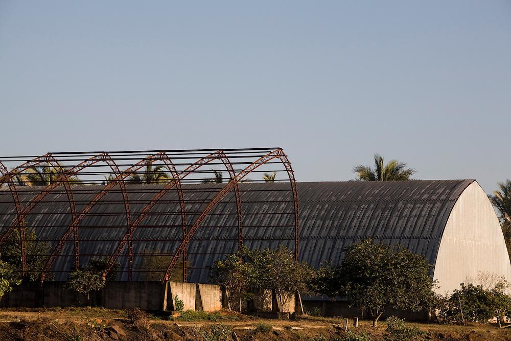 Pirapora_MG, Brasil...Detalhe de uma construcao abandonada em Pirapora, Minas Gerais...Detail of a deserted construction in Pirapora, Minas Gerais...Foto: LEO DRUMOND / NITRO