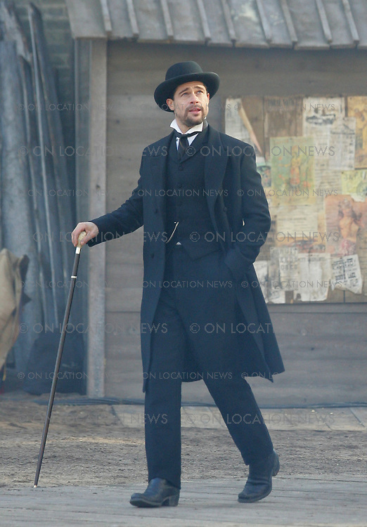 October 24th 2005 Winnipeg, Canada. Brad Pitt as Jesse James while filming a scene for The Assassination of Jesse James by the Coward Robert Ford.   Photo by Eric Ford 818-613-3955 info@onlocationnews.com