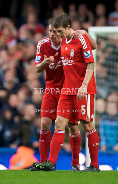 LONDON, ENGLAND - Sunday, October 26, 2008: Liverpool's Jamie Carragher and Daniel Agger during the Premiership match against Chelsea at Stamford Bridge. (Photo by David Rawcliffe/Propaganda)