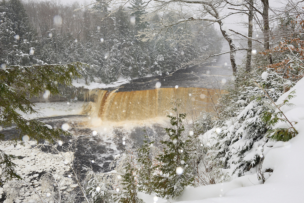 Upper Tahquamenon Falls<br />
