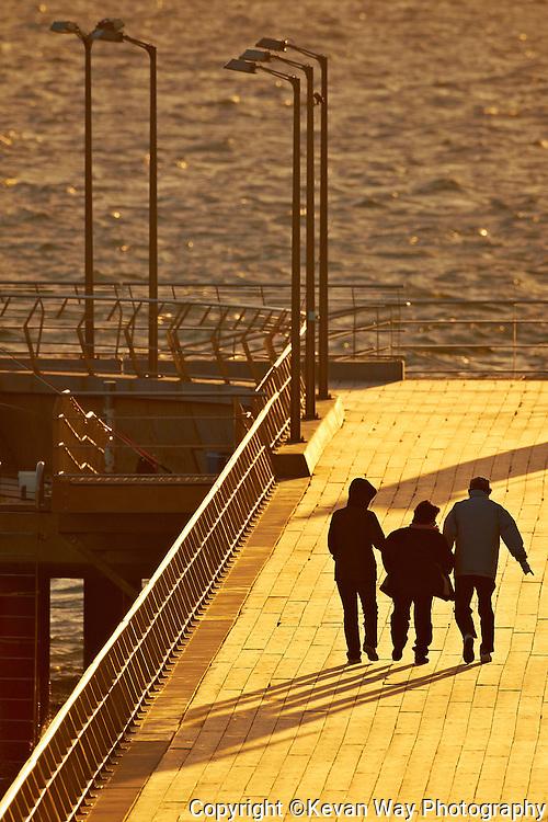 Lorne Pier in winter