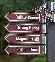 VELDHOVEN - Wegwijzers. Golfbaan Gendersteyn Burggolf.  COPYRIGHT KOEN SUYK