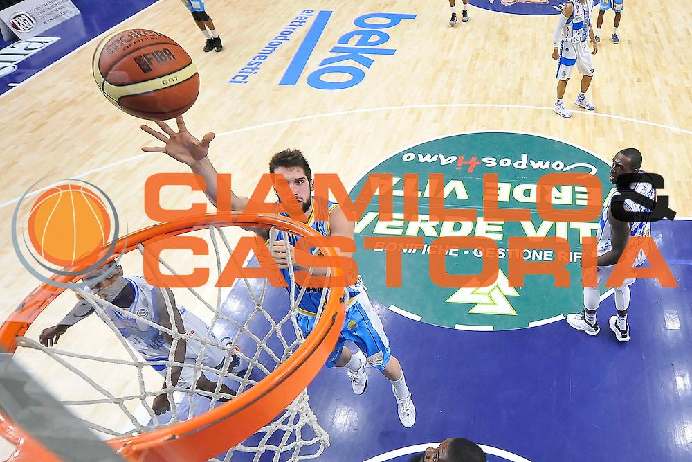 DESCRIZIONE : Campionato 2014/15 Dinamo Banco di Sardegna Sassari - Vanoli Cremona<br /> GIOCATORE : Fabio Mian<br /> CATEGORIA : Tiro Penetrazione Special<br /> SQUADRA : Vanoli Cremona<br /> EVENTO : LegaBasket Serie A Beko 2014/2015<br /> GARA : Dinamo Banco di Sardegna Sassari - Vanoli Cremona<br /> DATA : 10/01/2015<br /> SPORT : Pallacanestro <br /> AUTORE : Agenzia Ciamillo-Castoria / Luigi Canu<br /> Galleria : LegaBasket Serie A Beko 2014/2015<br /> Fotonotizia : Campionato 2014/15 Dinamo Banco di Sardegna Sassari - Vanoli Cremona<br /> Predefinita :