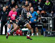 Keelan Giles of Ospreys scores his sides first try<br /> <br /> Photographer Simon King/Replay Images<br /> <br /> European Rugby Challenge Cup Round 5 - Ospreys v Worcester Warriors - Saturday 12th January 2019 - Liberty Stadium - Swansea<br /> <br /> World Copyright © Replay Images . All rights reserved. info@replayimages.co.uk - http://replayimages.co.uk