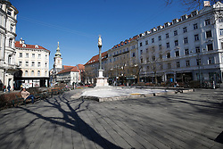 "THEMENBILD - Der leere Platz am ""Eisernen Tor"" in Graz in Folge des Coronavirus-Ausbruchs in Österreich, aufgenommen am 16.03.2020 in Graz, Österreich // The empty square at the ""Eisernes Tor"" as a result of the coronavirus outbreak in Austria, on 2020/03/16 in Graz, Austria. EXPA Pictures © 2020, PhotoCredit: EXPA/ Erwin Scheriau"