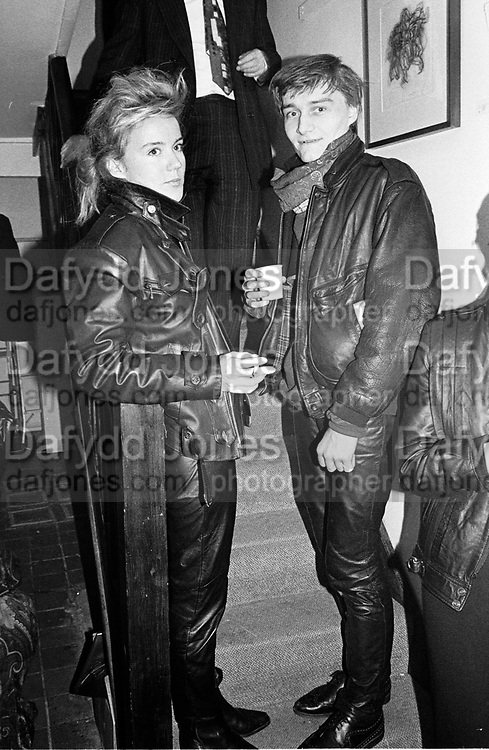Daphne Guinness and Burt WebbJohn Dewe Matthew private view. Gallery 24. 24 March 1987. . SUPPLIED FOR ONE-TIME USE ONLY> DO NOT ARCHIVE. © Copyright Photograph by Dafydd Jones 66 Stockwell Park Rd. London SW9 0DA Tel 020 7733 0108 www.dafjones.com