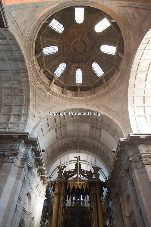 Portugal. Lisbon. Alfama district San Vicente da Fora church interiors / San vicente da fora quartier.  le quartier de l'alfama . Lisbonne