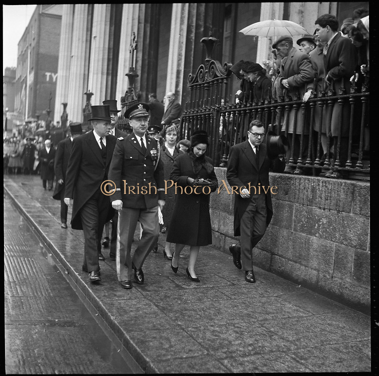 Mass in the Pro-Cathedral for late President Kennedy.  Thousands attended requiem Masses all over the country and businesses, schools and universities were closed..26.11.1963