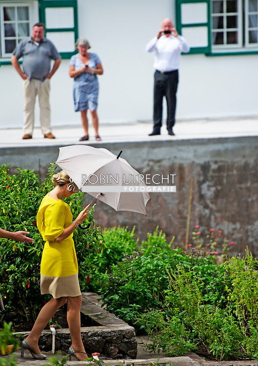 14-11-2013 SABA -   Dutch King Willem Alexander and Queen Maxima at SABA . They will visit all the 6 Dutch Islands the next 10 days . The royal couple will visit the Caribbean . COPYRIGHT ROBIN UTRECHT