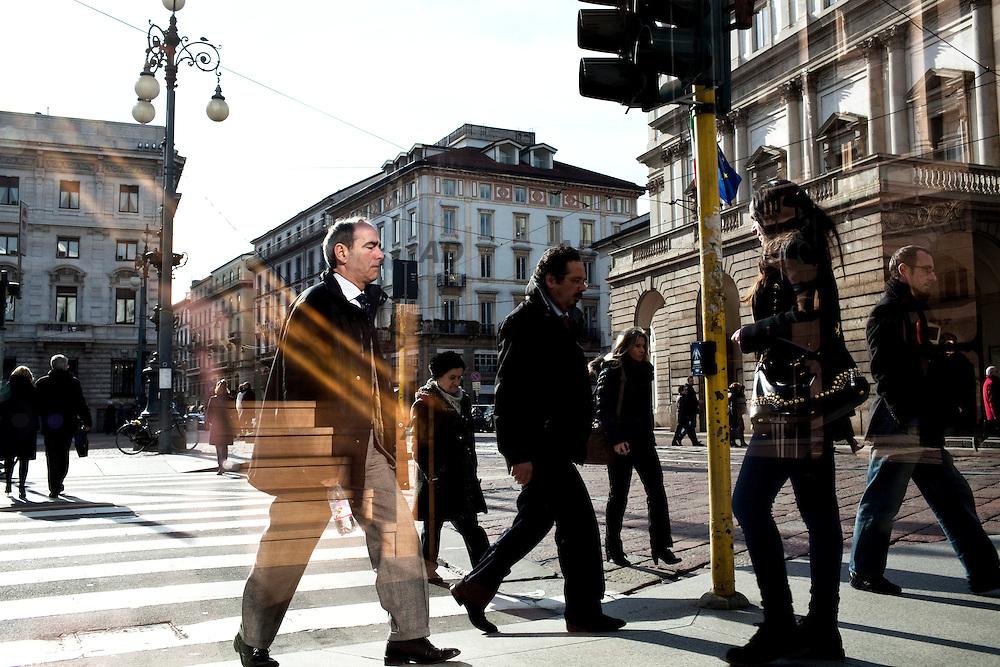 Piazza della Scala. Crosswalk.