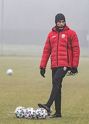 13.01.2020, Waldstadion, Pasching, AUT, 1. FBL, Trainingsauftakt, LASK, im Bild Trainer Valerien Ismael (LASK) // during a Trainingssession of Austrian tipico Bundesliga Club LASK at the Waldstadion in Pasching, Austria on 2020/01/13. EXPA Pictures © 2020, PhotoCredit: EXPA/ Reinhard Eisenbauer