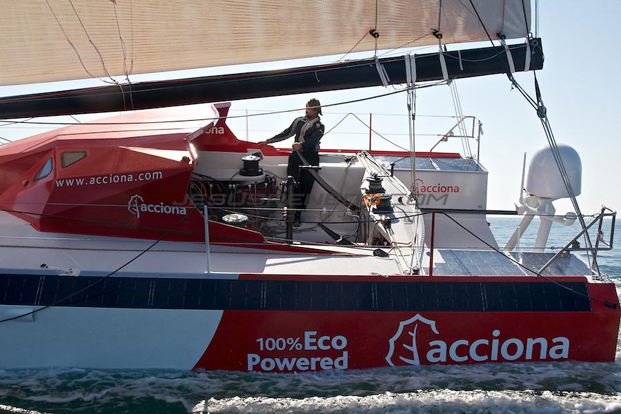 Imoca 60 ACCIONA.Sailing test in Brest, France.
