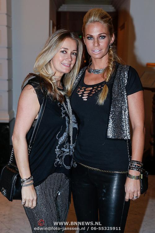 NLD/Amsterdam/20121112 - Beau Monde Awards 2012, Monique Matthijsen en Ellemieke Vermolen