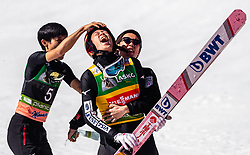 24.03.2019, Planica, Ratece, SLO, FIS Weltcup Ski Sprung, Skiflug, Einzelbewerb, Finale, Siegerehrung, Tageswertung, im Bild Ryoyu Kobayashi (JPN) mit Teamkollegen // Ryoyu Kobayashi of Japan with teammates during the winner ceremony for the day victory of the Ski Flying World Cup Final 2019. Planica in Ratece, Slovenia on 2019/03/24. EXPA Pictures © 2019, PhotoCredit: EXPA/Stefanie Oberhauser