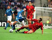 YVES VANDERHAEGHE BELGIUM.GIANLUCA ZAMBROTTA ITALY.ITALY V BELGIUM (0-1) 13/06/00 BRUSSELS EURO 2000.PHOTO ROGER PARKER.