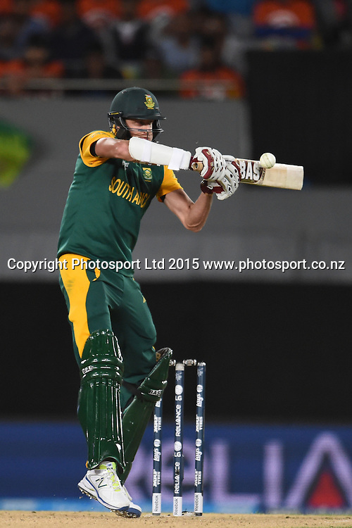 South African batsman Morne Morkel in action during the ICC Cricket World Cup match between Pakistan and South Africa at Eden Park in Auckland, New Zealand. Saturday 07 March 2015. Copyright Photo: Raghavan Venugopal / www.photosport.co.nz