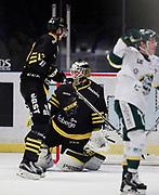 STOCKHOM 2017-10-18. Linus Lundin, m&aring;lvakt i AIK deppar sedan Bj&ouml;rkl&ouml;ven gjort 1-1 under matchen i Hockeyallsvenskan mellan AIK och IF Bj&ouml;rkl&ouml;ven p&aring; Hovet, Stockholm, den 18 oktober 2017.<br /> Foto: Nils Petter Nilsson/Ombrello<br /> ***BETALBILD***