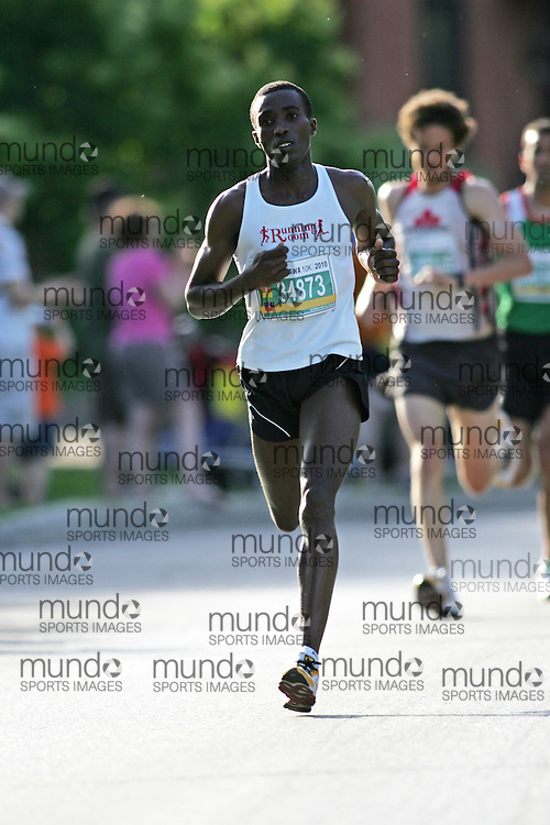 (Ottawa, ON --- May 29, 2010) FRED KARANJA running in the 10km race during the Ottawa Race Weekend. Photograph copyright Sean Burges / Mundo Sport Images