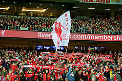 ADELAIDE, AUSTRALIA - Monday, July 20, 2015: Liverpool supporters during a preseason friendly match against Adelaide United at the Adelaide Oval on day eight of the club's preseason tour. (Pic by David Rawcliffe/Propaganda)