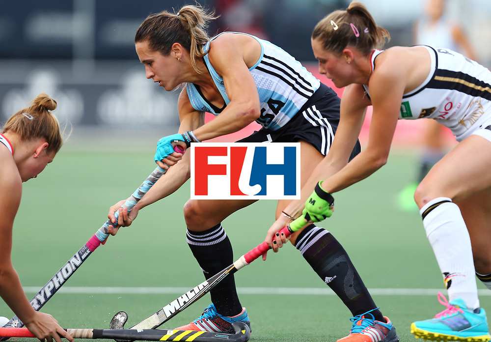 New Zealand, Auckland - 24/11/17  <br /> Sentinel Homes Women&rsquo;s Hockey World League Final<br /> Harbour Hockey Stadium<br /> Copyrigth: Worldsportpics, Rodrigo Jaramillo<br /> Match ID: 10307 - ARG-GER<br /> Photo: (7) CAVALLERO Martina against (12) STAPENHORST Charlotte and \g