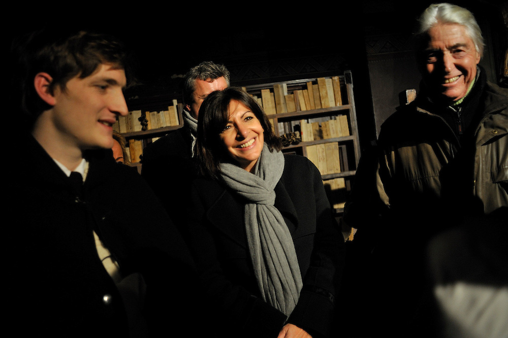 5 d&eacute;cembre 2014 : Sc&eacute;nographie &agrave; l'occasion des 1000 ans du clocher de l'&eacute;glise Saint Germain des Pr&eacute;s. Madame Anne Hidalgo Maire de Paris innaugure la sc&eacute;nographie.<br />