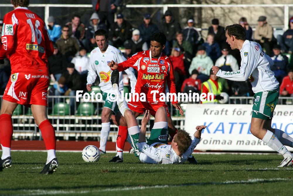 """30.04.2007, Pietarsaari, Finland..Veikkausliiga 2007 - Finnish League 2007.FF Jaro - IFK Mariehamn.Marcelo Gonalves de Oliveira """"Piracaia"""" (Jaro) v Mika Niskala (IFKM).©Juha Tamminen.....ARK:k"""