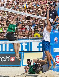 03.08.2014, Strandbad, Klagenfurt, AUT, A1 Beachvolleyball Grand Slam 2014, Finalspiel, im Bild v.l. Alison CONTE Cerutti (BRA), Bruno Oscar Schmidt (BRA), Daniele Lupo (ITA) // during the A1 Beachvolleyball Grand Slam at the Strandbad Klagenfurt, Austria on 2014/08/03. EXPA Pictures © 2014, EXPA Pictures © 2014, PhotoCredit: EXPA/ Mag. Gert Steinthaler