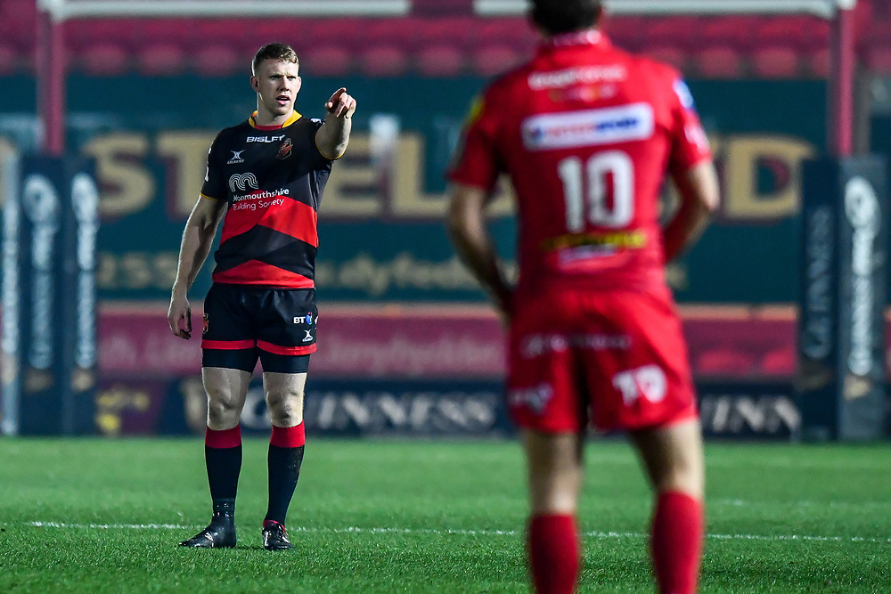 Dragons' Jack Dixon in action during todays match<br /> <br /> Photographer Craig Thomas/Replay Images<br /> <br /> Guinness PRO14 Round 13 - Scarlets v Dragons - Friday 5th January 2018 - Parc Y Scarlets - Llanelli<br /> <br /> World Copyright © Replay Images . All rights reserved. info@replayimages.co.uk - http://replayimages.co.uk