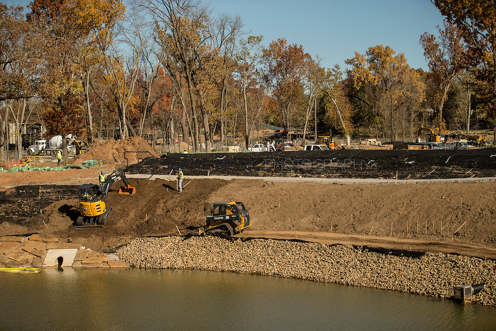 11/29/16 11:58:13 AM -- Updates to Caterpiller Bridge, One Boathouse and general views of the park. <br /> <br /> Photo by Shane Bevel