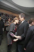 Mario Testino and Jemima Khan, Vogue 90th birthday party and to celebrate the Vogue List, Serpentine Gallery. London. 8 November 2006. ONE TIME USE ONLY - DO NOT ARCHIVE  © Copyright Photograph by Dafydd Jones 66 Stockwell Park Rd. London SW9 0DA Tel 020 7733 0108 www.dafjones.com