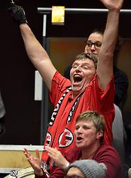 21-02-2015 NED: VC Sneek - Oskam Taurus, Zwolle<br /> Sneek wint met 3-1 van Taurus en plaatst zich voor de finale / Taurus support