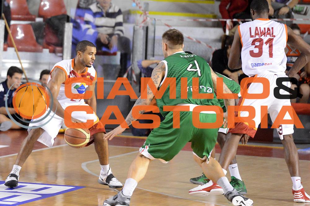 DESCRIZIONE : Roma Lega A 2012-13 Acea Roma Montepaschi Siena <br /> GIOCATORE : Jordan Taylor<br /> CATEGORIA : palleggio<br /> SQUADRA : Acea Roma<br /> EVENTO : Campionato Lega A 2012-2013 <br /> GARA : Acea Roma Montepaschi Siena <br /> DATA : 12/11/2012<br /> SPORT : Pallacanestro <br /> AUTORE : Agenzia Ciamillo-Castoria/GiulioCiamillo<br /> Galleria : Lega Basket A 2012-2013  <br /> Fotonotizia :  Roma Lega A 2012-13 Acea Roma Montepaschi Siena <br /> Predefinita :