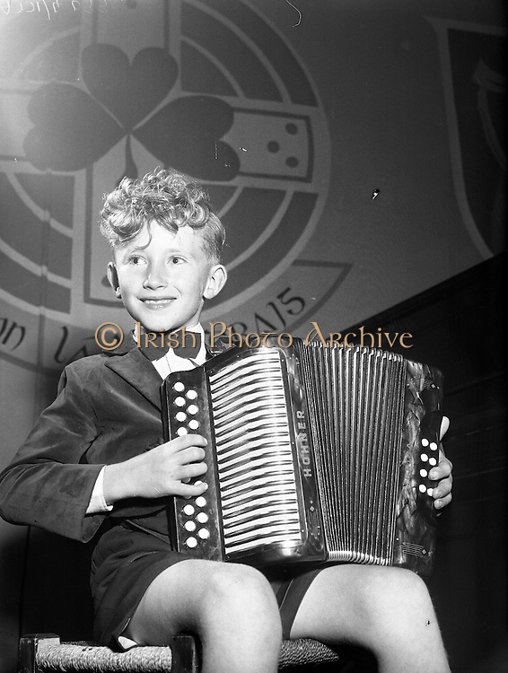Gael Linn singing competition for children. Final in Co. Kerry .12/08/1958.
