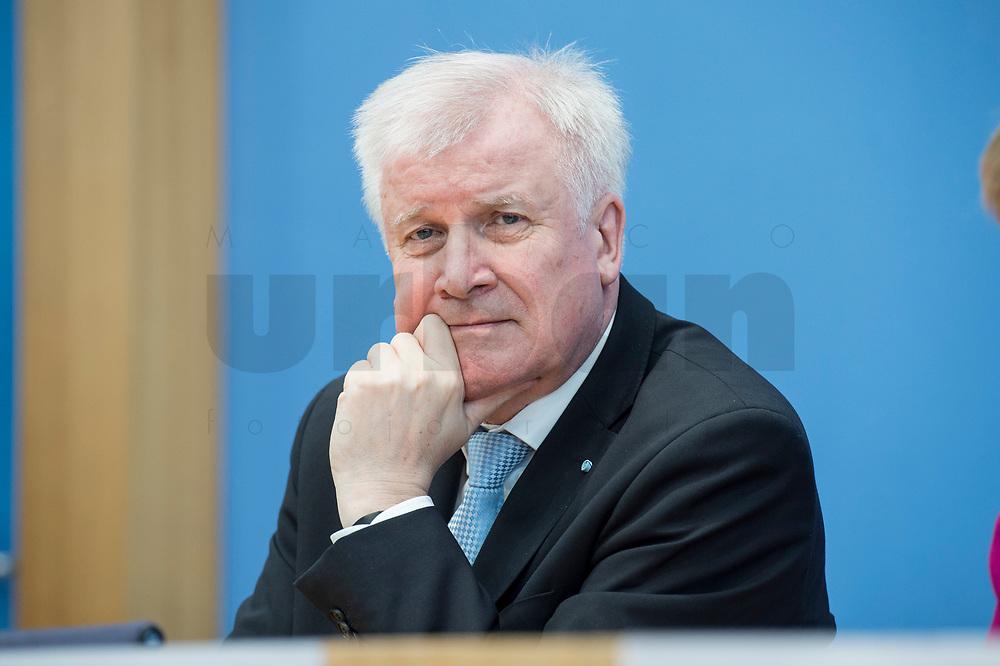 12 MAR 2018, BERLIN/GERMANY:<br /> Horst Seehofer, CSU, desig. Bundesinnenminister, waehrend einer Pressekonferenz zum Koalitionsvertrag der CDU/CSU und SPD, Bundespressekonferenz<br /> IMAGE: 20180312-01-045