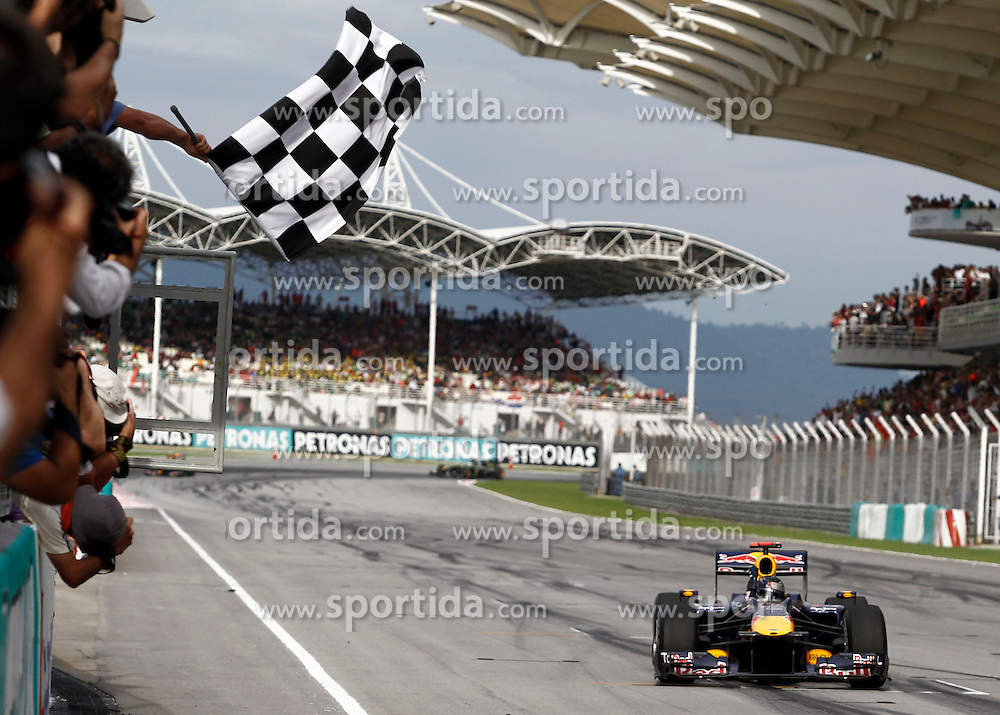 FORMEL 1: GP von Malaysia, Sepang, 04.04.2010<br /> Sieger Sebastian VETTEL (GER, Red Bull Racing) im Ziel<br /> &Atilde;'&Acirc;&copy; pixathlon