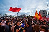 São Paulo/SP - 17/06/2013. Protesto contra o aumento da tarifa de transporte em São Paulo, SP. Manifestantes saíram do Largo da Batata e se dirigiram para a Av. Paulista. Foto: Daniel Deák/Imagem Paulista