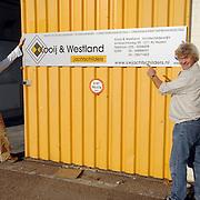 NLD/Huizen/20061016 - Nieuw bedrijf Kooy & Westland Jachtschilders Huizer Marina Huizen